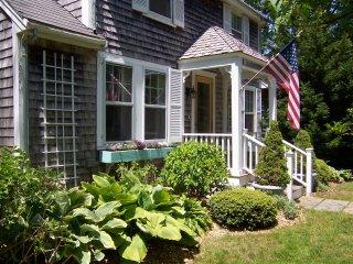 Charming 4 bedroom home in the east chop neighborhood of Oak Bluffs