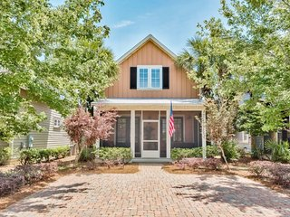 Updated Sandestin Home | Perfect for Families & Golf Groups | Golf Cart Included