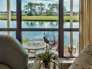 Harbour Point Lake & Bay Views! Relaxation At Its Best! 1st Floor! Pool/Resort B