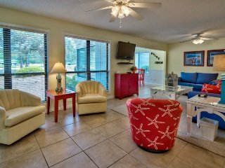 3 Bedroom Vacation Home with Golf Cart on the Links Course at Sandestin Golf and
