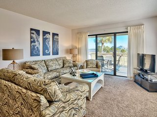 2 Bedroom Bayside Vacation Condo Inside Sandestin Golf and Beach Resort. Golf Ca
