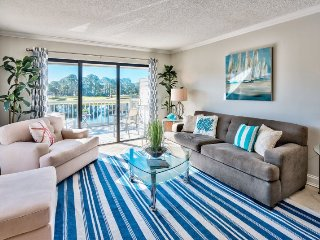 2 Bedroom Bayside Vacation Condo Located Inside Sandestin Golf and Beach Resort