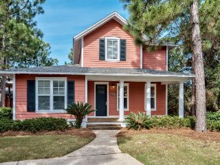 Charming Home in Laurel Grove! Walk to Pool! Take Golf Cart to Beach! Perfect fo