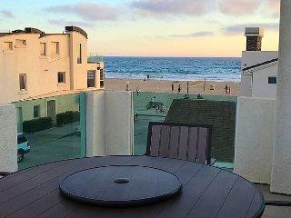 Fantastic 3 Bedroom Upper Unit - 2 Houses from Ocean! Rooftop Deck!