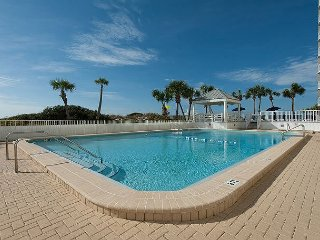 VILLA 47 !ALL RATES 20% OFF IN APRIL!CLOSE TO POOL/BEACH!!