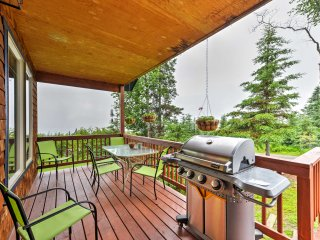 NEW! 1BR Homer Apartment w/ Deck & Panoramic Views!