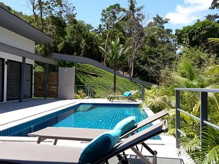 Unbelivable price - 2-8 pers - Baan Sawadee villa Pool - Walk to the beach
