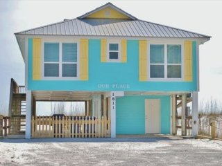 Cute 4 BD Beachfront Cottage, Make 'Our Place' Your Place