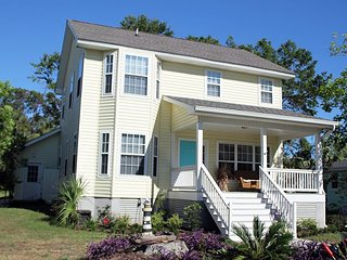#1614 2nd Avenue - Close to the Beach, Downtown Tybee and the Back River - FREE