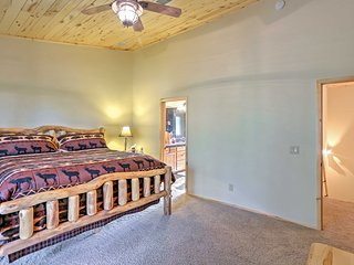 NEW! Elegant 3BR Pinetop House w/Scenic Views!