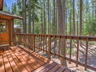 All-Season Truckee Cabin by Tahoe Donner Ski Area!