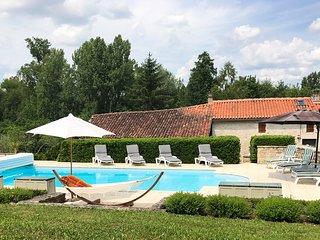 4 bedroom Villa in Saint-Front-la-Riviere, Nouvelle-Aquitaine, France : ref 5364