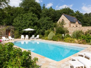 Combourg Chateau Sleeps 35 with Pool - 5049761