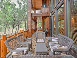 New! 3BR Show Low Cabin w/Forest Views from Deck!