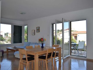 Croatia/Trogir Lux 3 bedroom apartment  -beach 80m