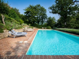 Spectacular Views, Huge 16m x 6m Saline Heated Pool, comfy areas for relaxation