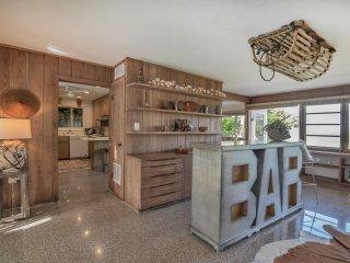 Point of Rocks Beach House - Luxury Home on Siesta Key Beach