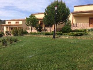 Complejo turistico de 5 casas (8 plazas/casa) salón comun, jardin, 40 plazas