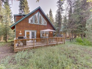 Cozy home w/ a shared pool, clubhouse, hot tub & more in a private community!