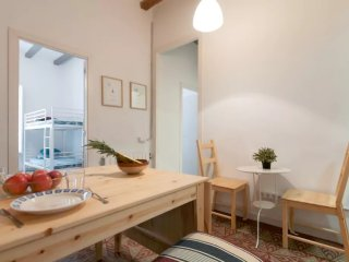 COZY APARTMENT IN GRACIA IDEAL FOR GROUPS