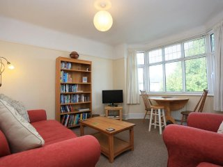 Charming 2 Bed F/F Flat with Garden - FM667 Southwick Road