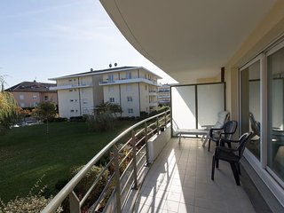 Flat with free parking near Geneva