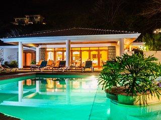 Casa and Casita Puesta del Sol. Luxury 3 Bedroom with Option to Add 2 Bed Casita
