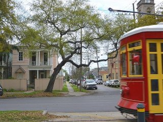 Large Canal St, French Quarter 8 mins, Streetcar, Porch, 3BR!