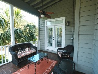 Compass Point 42; Beautiful 4 bed 3.5 bath House, Litchfield Beach & Golf