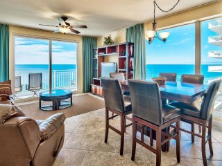 Outstanding View of Sunsets-Luxurious Corner, 3 BR, each with Private Balcony