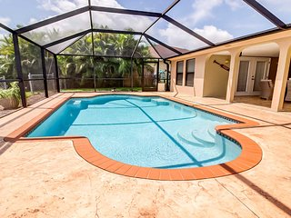 SUMMER SPECIAL: 22% OFF! - Villa Siva - Gulf Access Pool Home Sleeps 6