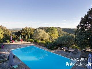 Maison de vacances de 170m2 avec piscine et jacuzzi sur un domaine de 4ha