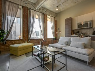 Downtown Dallas' Simply Fresh, Stunning 1BR