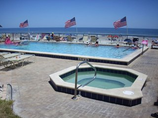 DIRECT OCEANFRONT  AWESOME VIEW - SUNGLOW 2/2 CONDO, next to Sunglow Pier