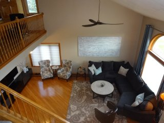 3B/2.5BA Spacious & Quiet Retreat