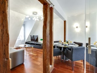 10. COSY 1BR FLAT CLOSE TO RUE CLER