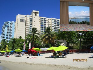 Isla Verde Beach! Full Ocean View - Beach Front - 2 Q Beds, WIFI, Free Parking
