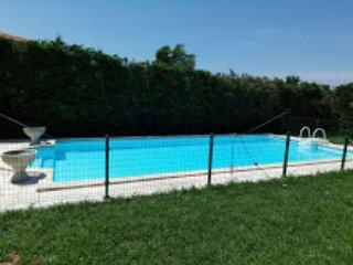 Chalet Individual,  piscina, fronton, sauna, jacuzzi y vistas al mar Cantabrico.