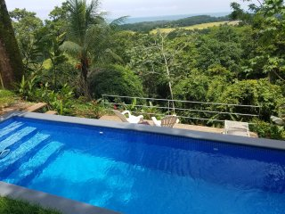 Ocean-View Mountain Villa, Direct Sunsets, Private Pool & Concierge.