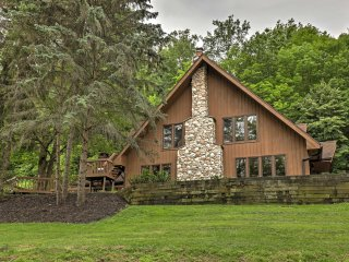 Luxury Canandaigua Chalet w/ Decks & Mtn Views!