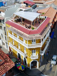 Drone view of the building, roof deck & mirador!
