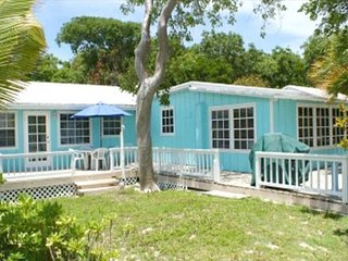 Bahamas Beachside Bungalow For 2 - Sunsets Sand & Relaxation WiFi