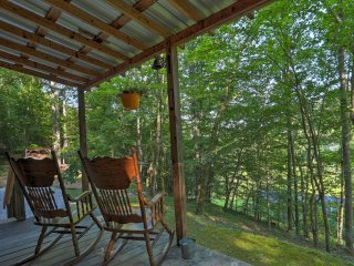 NEW! Rustic 1BR Briceville Cabin Tucked in Forest!