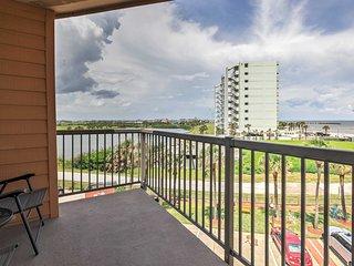 NEW! 1BR Galveston Condo w/Tropical Gulf Views!