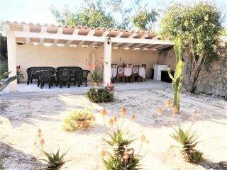 Villa of 300 m2 in Monturi 12 pax. 7 Bedrooms 3 bathrooms + 1 toilet. Private po