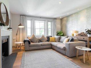 Serene & Spacious Hampstead 3 bed 2 bathroom Flat