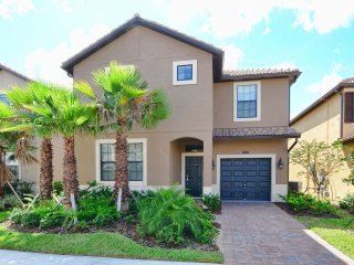 Solterra Resort - 6BD/5BA Pool Home - Sleeps 12 - Platinum