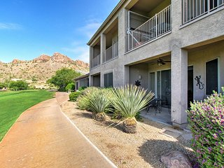 Gold Canyon Townhouse on Golf Course w/Mtn Views!