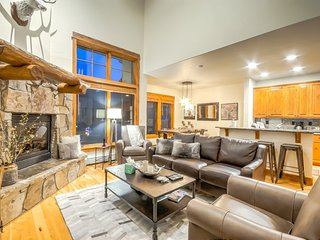 Mountain Contemporary Luxury, Best Location and Amenities