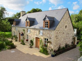Luxury 3 bedroom cottage - beautiful countryside location,all en-suite bathrooms